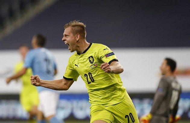 Radost střelce druhého gólu českého týmu Matěje Vydry.