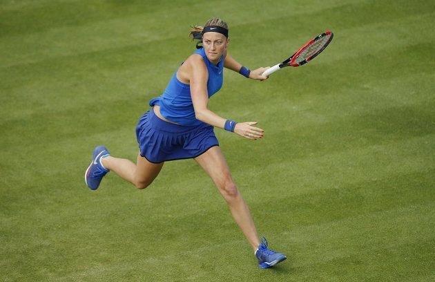 Petra Kvitová při utkání s Lucií Šafářovou v Birminghamu.