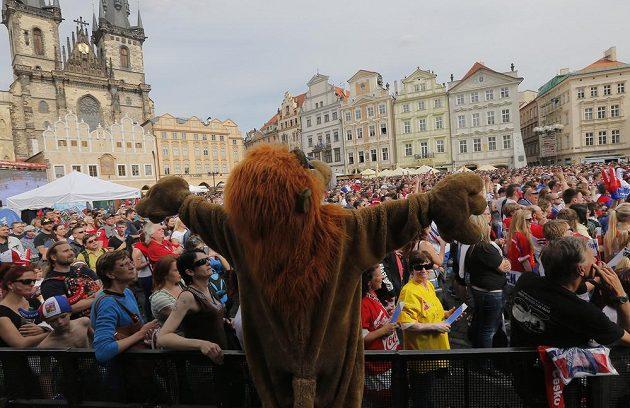 Naděje fanoušků na Staroměstském náměstí v Praze se nenaplnily...