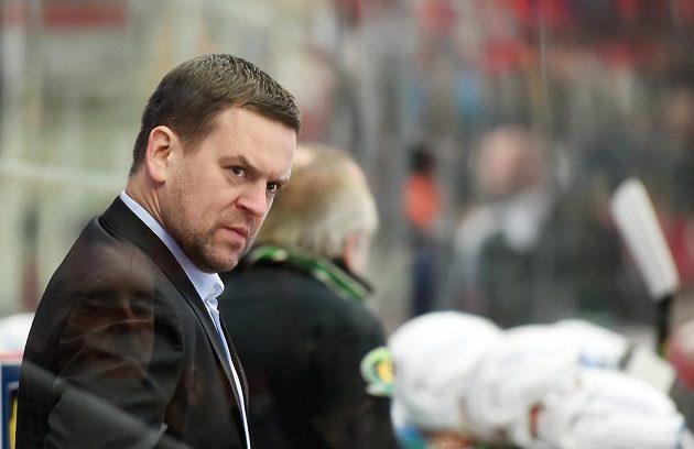 Karlovarský trenér Karel Mlejnek v zápase proti Třinci.