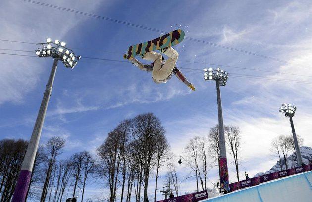 Americká snowboardistka Kelly Clarková létala už v kvalifikaci v U-rampě hodně vysoko.