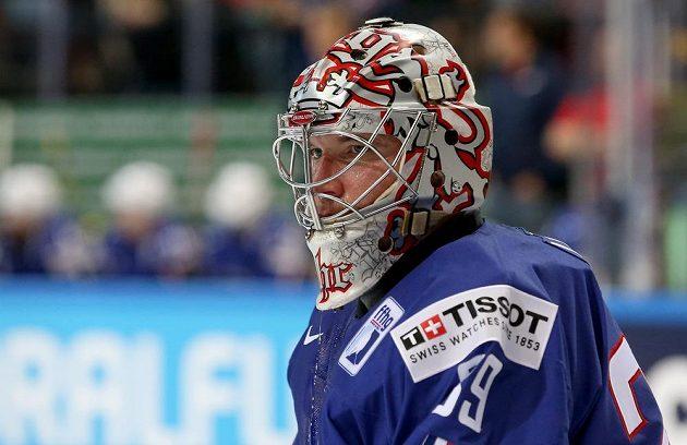 Francouzský brankář Cristobal Huet během utkání hokejového mistrovství světa proti Německu.