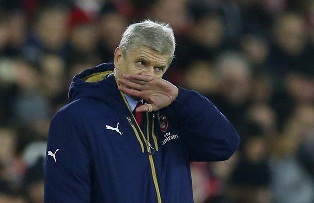 Trenér fotbalistů Arsenalu Arséne Wenger během zápasu anglické Premier League proti Southamptonu.