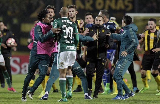 Copa Libertadores přináší nejen fotbalové zážitky.
