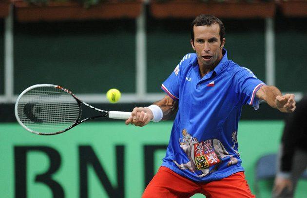 Tenista Radek Štěpánek během prvního utkání semifinále Davis Cupu s argentinským Juanem Mónakem.