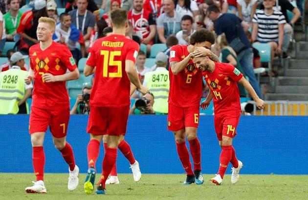 Fotbalisté Belgie se radují z úvodního gólu proti Panamě.