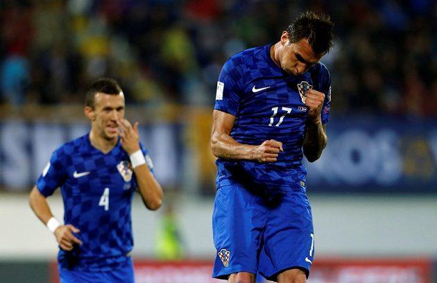 Mario Mandžukič po jednom ze svých gólů v duelu s Kosovem.