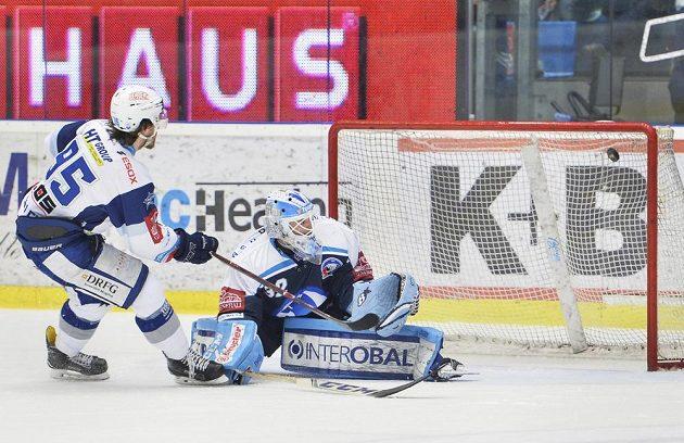 Alexandre Mallet z Brna zvyšuje v Plzni z trestného střílení na 2:0