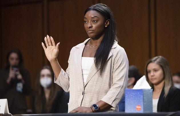 Americká gymnastka Simone Bilesová vypovídala před americkým senátním výborem ohledně sexuálního zneužívání gymnastek