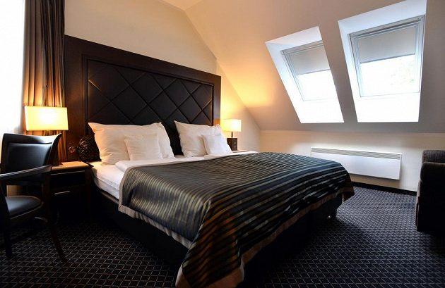 Pokoj v pražském hotelu, kde bude během mistrovství světa v ledním hokeji ubytována česká reprezentace.
