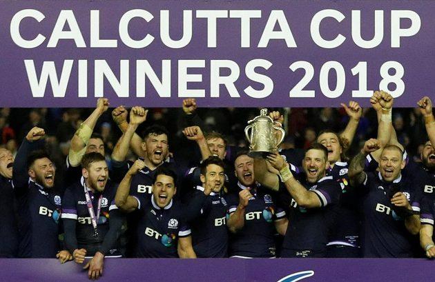 Skotský tým si hýčká Kalkata Cup.