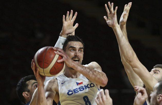 Čeští basketbalisté porazili favorizované Řeky a zahrají si na olympiádě. Na snímku jediný Čech v NBA Tomáš Satoranský.