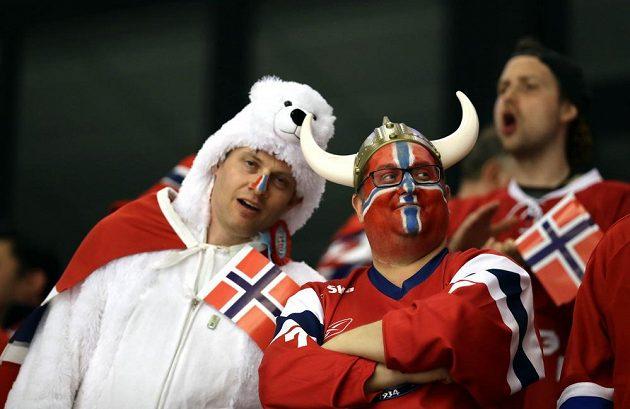 Norští fanoušci v duelu s Kanadou na MS v Dánsku.