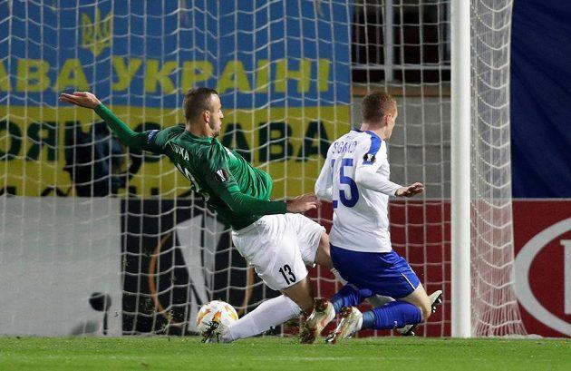 Viktor Cygankov (vpravo) záhy otevřel skóre utkání Dynama Kyjev v Jablonci.