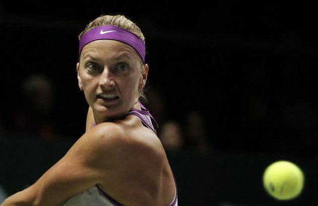 Česká tenistka Petra Kvitová v zápase s Garbiňe Muguruzaovou na Turnaji mistryň.