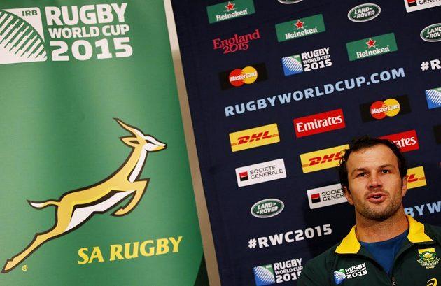 Jihoafričan Bismarck Du Plessis na tiskové konferenci před semifinále MS s Novým Zélandem.