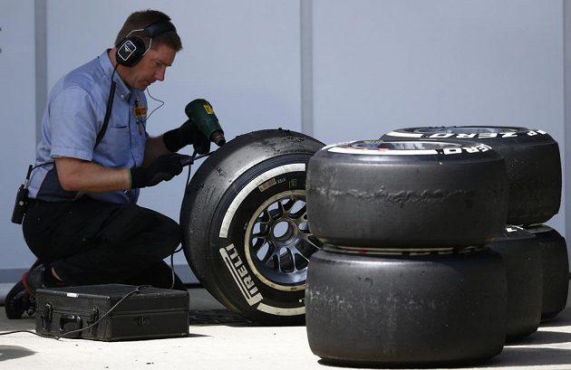 Technici Pirelli mají po Silverstone co napravovat...