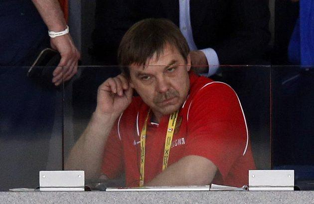 Potrestaný kouč Rusů Oleg Znarok musel pro finále vzít zavděk místem mimo střídačku.