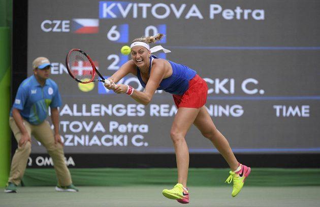 Petra Kvitová v zápase s Caroline Wozniackou v druhém kole olympijského turnaje.