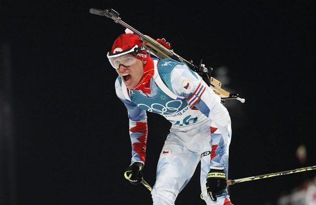 Michal Krčmář v cíli sprintu na 10 km na olympijských hrách v Pchjongčchangu.