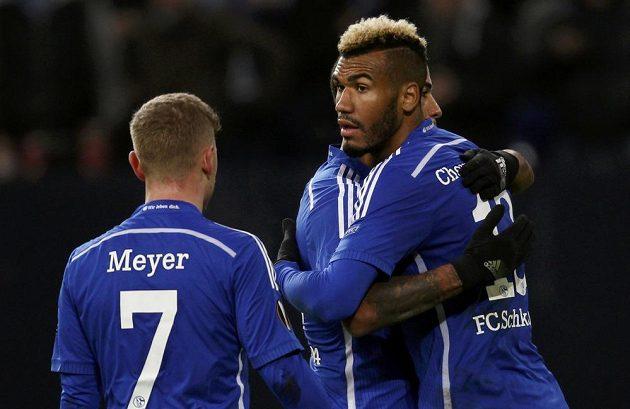 Zprava střelec Maxim Choupo-Moting, Dennis Aogo a Max Meyer se radují z výhry Schalke 04 nad Nikósií.
