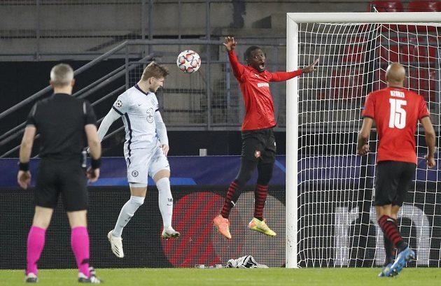 Střelec Chelsea Timo Werner v akci během utkání Ligy mistrů.