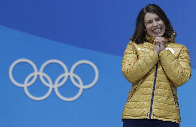Bronzová radost. Česká reprezentantka Eva Samková skončila v olympijském klání snowboardkrosařek na třetím místě a měla z toho obrovskou radost.