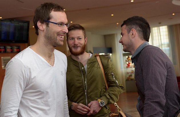 Brankář Petr Čech (vlevo), obránce Ondřej Mazuch a záložník Daniel Pudil na srazu české fotbalové reprezentace před utkáním s Norskem.