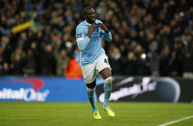 Yaya Touré hrdinou Manchesteru City. Dal rozhodující penaltu v rostřelu finále Ligového poháru s Liverpoolem.
