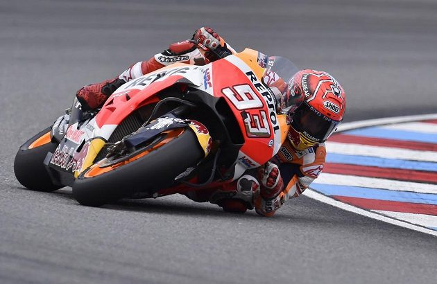 Vítěz kategorie MotoGP Marc Márquez ze Španělska.