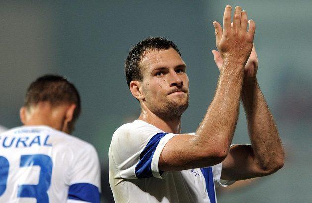 Liberecký útočník Michael Rabušic děkuje fanouškům po utkání 3. předkola Evropské ligy s FC Curych.