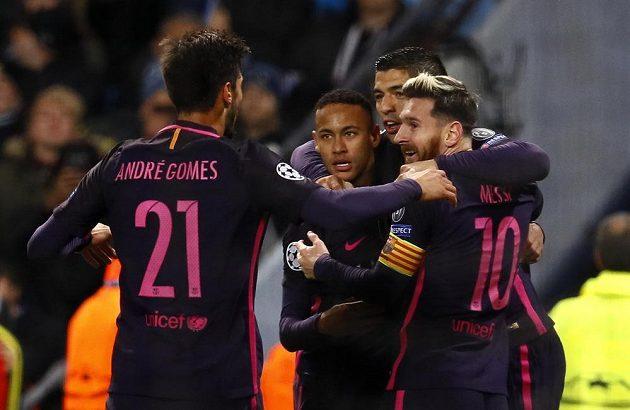 Barcelonská radost po gólu Lionela Messiho.