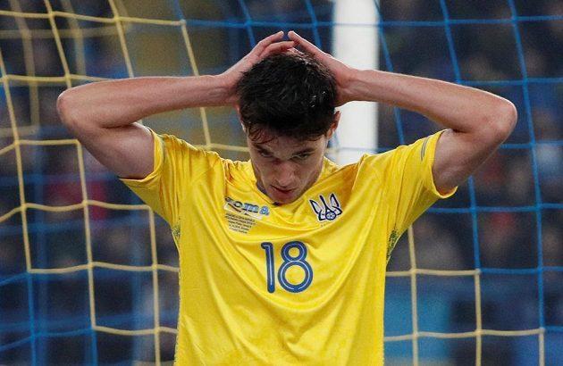 Zklamaný Roman Jaremčuk měl v úvodu zápasu dvě slibné šance.