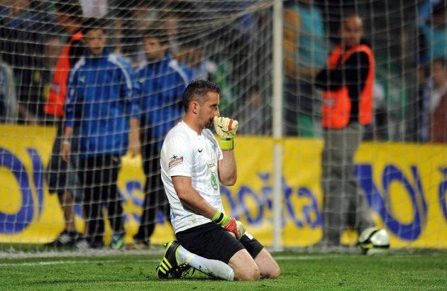 Zklamaný mladoboleslavský brankář Miroslav Miller po rozhodující penaltě jabloneckého záložníka Jana Kopice.