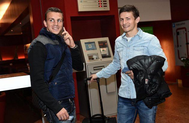 Záložníci Vladimír Darida (vlevo) a Václav Pilař během srazu české fotbalové reprezentace v Praze.