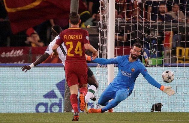 Sadio Mané z Liverpoolu střílí první gól.