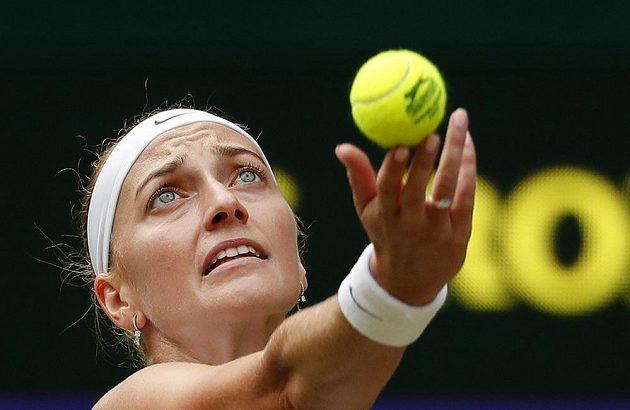 Česká tenistka Petra Kvitová v akci během Wimbledonu.