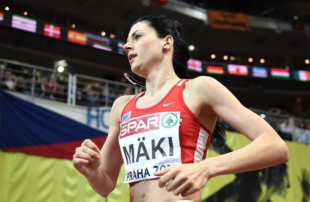 Kristiina Mäki během halového mistrovství v atletice se svými typickými náušnicemi.