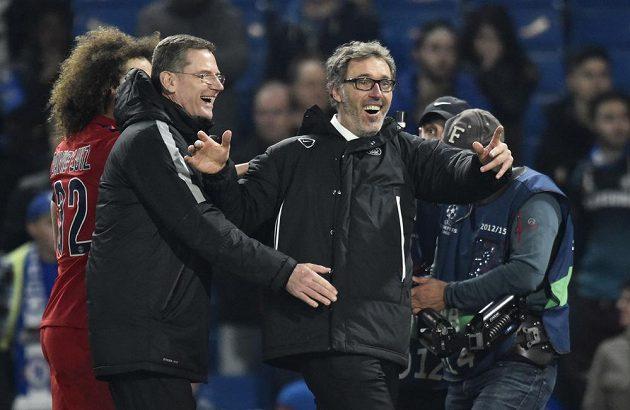 Trenér Pařížanů Laurent Blanc jásá, jeho tým je na úkor Chelsea ve čtvrtfinále Ligy mistrů.