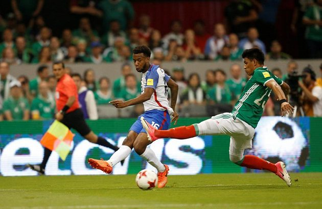 Fotbalisté USA vybojovali bod v utkání kvalifikace mistrovství světa proti domácímu Mexiku.