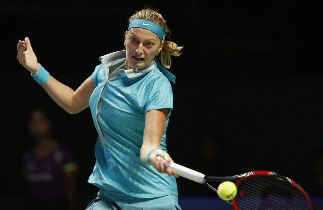 Česká tenistka Petra Kvitová v utkání proti Marii Šarapovové na Turnaji mistryň.