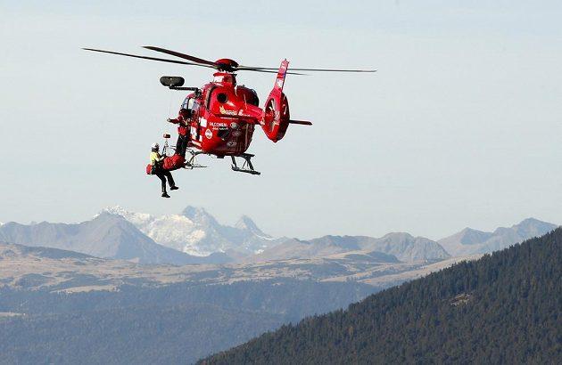 Rakušana Matthiase Mayera transportovala helikoptéra do nemocnice.