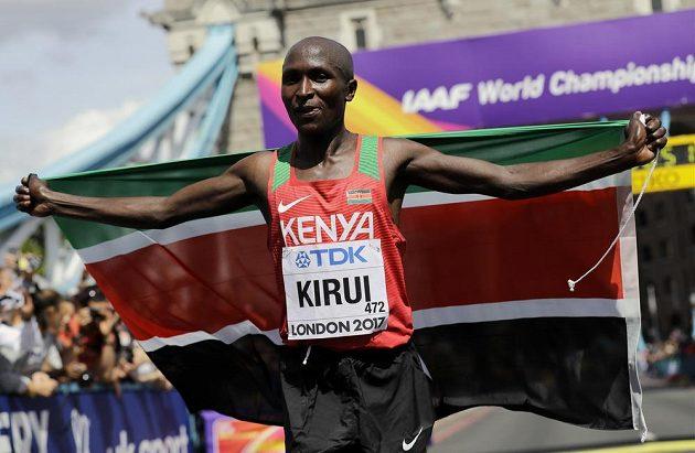 Keňan Geoffrey Kipkorir Kirui vyhrál maratón.