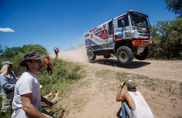 Aleš Loprais s kamiónem Tatra na trati druhé etapy Rallye Dakar.