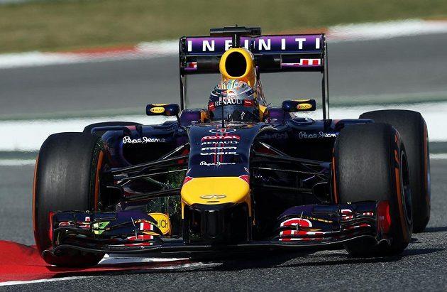 Sebastian Vettel ze stáje Red Bull během tréninku na Velkou cenu Španělska formule 1.