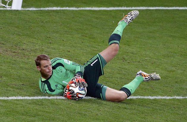 Manuel Neuer znovu oplýval v německé brance jistotou.