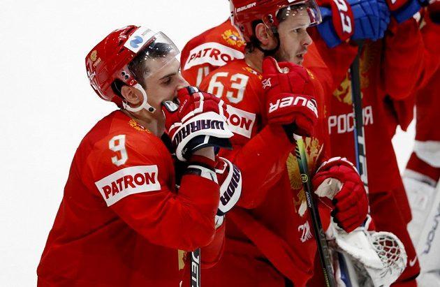 Ruský smutek po porážce v semifinále MS s Finskem 0:1.