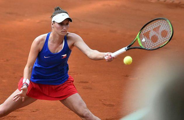 Česká tenistka Markéta Vondroušová v utkání s Leylah Fernandezovou z Kanady potvrdila roli favoritky.
