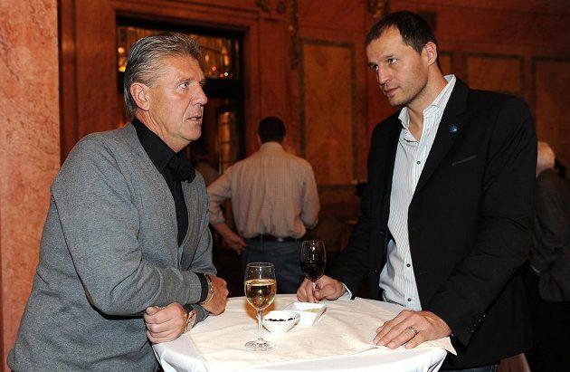 Bývalý hráč a trenér Sparty Praha Jozef Chovanec (vlevo) a Vratislav Lokvenc během večírku ke 120. výročí od založení klubu.