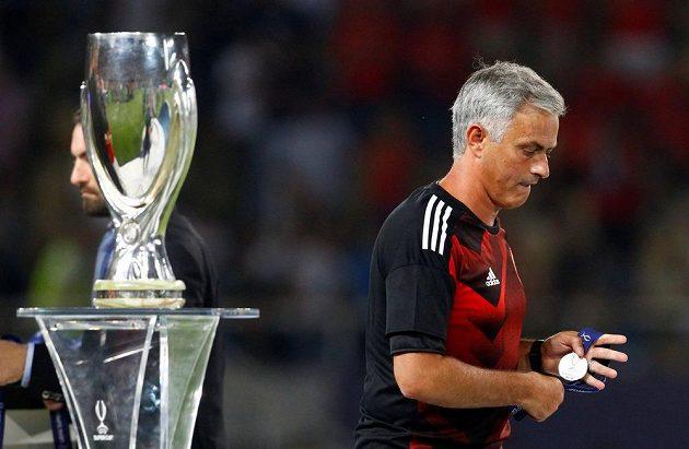 Trenér Manchetsru United José Mourinho si na Superpohár musel nechat zajít chuť.